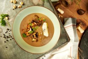 Kremowa zupa grzybowa z sosem sojowym Kikkoman