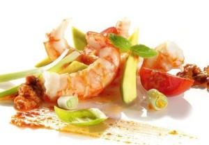 salatka_z_krewetkami_avocado_i_pomidorkami