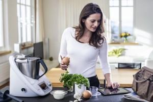 Kobieta_w_kuchni_fot_THERMOMIX