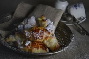 Rozki z ciasta francuskiego z twarozkiem mandarynkowym (2)