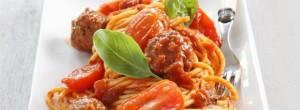 spaghetti_z_pulpecikami_i_pomidorkami_cherry_przepis