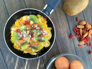 C - omlet francuski z kiwi i daktylami (5)
