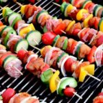 Wakacyjne grillowanie – czy może być zdrowe?