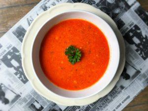 C - zupa pomidorowa z kaszą jaglaną i żółtym serem
