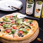 Biała pizza ze szparagami i anchois