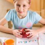 Przestrzeganie zasad zdrowego odżywiania w czasie roku szkolnego, w dni pełne licznych zajęć? To łatwiejsze niż myślisz!