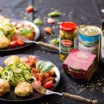 Pulpety z tuńczyka i kaszy jaglanej z makaronem z cukinii