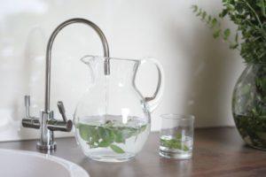 Woda kranowa jest zdrowa! Fot. UST-M