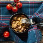 Nie marnuj jedzenia – Zapiekanka chlebowa od Marco Ghia